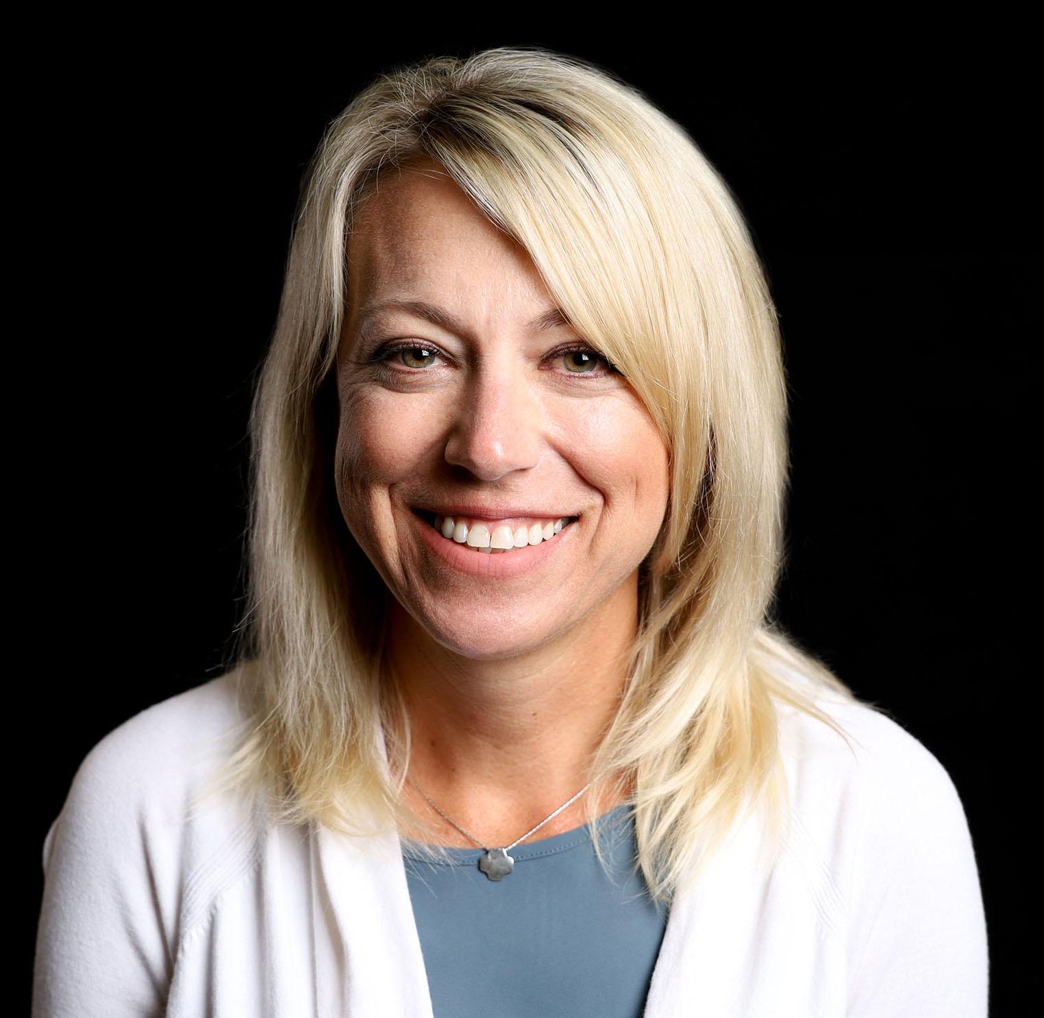 Angie Schmidt